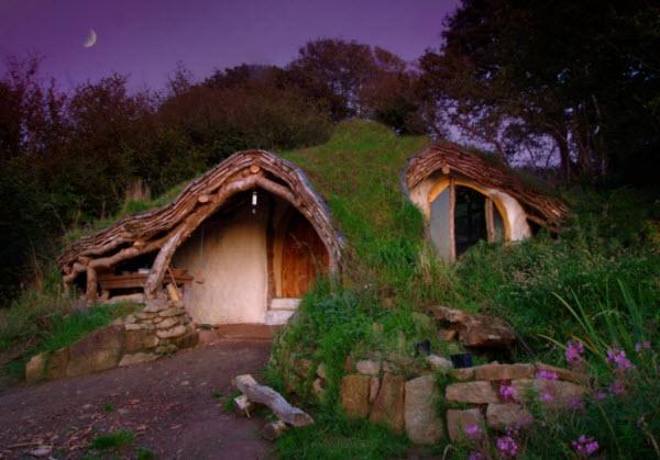 Simon Dale's $5,200 Hobbit House