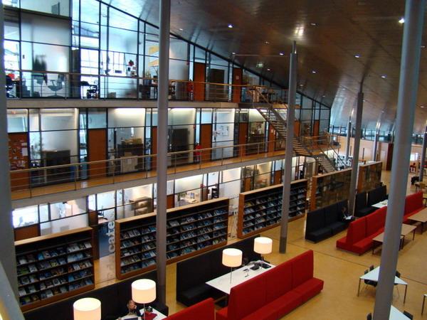 کتابخانه دلف