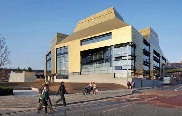 ساختمانی در بریتانیا