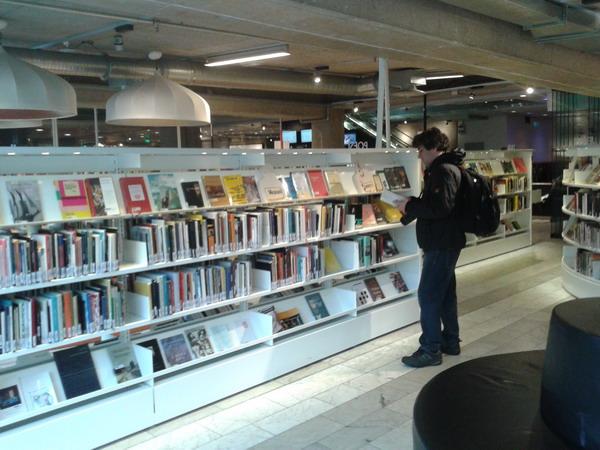 کتاب و کتابخوانی در قاب عکس
