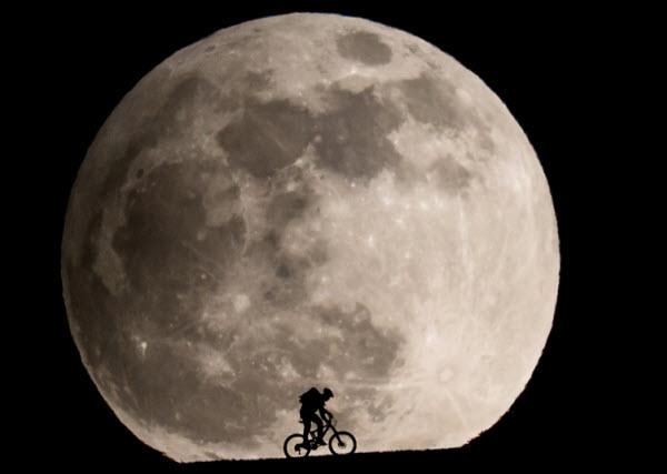 چگونه این عکس بینظیر از ماه گرفته شد - یک پزشک