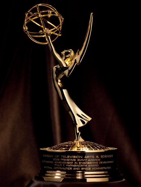 برندگان مسابقه اِمی (بهترین برنامههای تلویزیونی) 2013 - یک پزشک