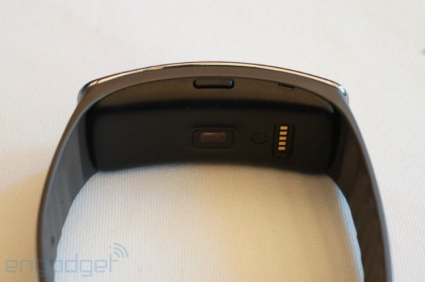 samsung-gear-fit-8