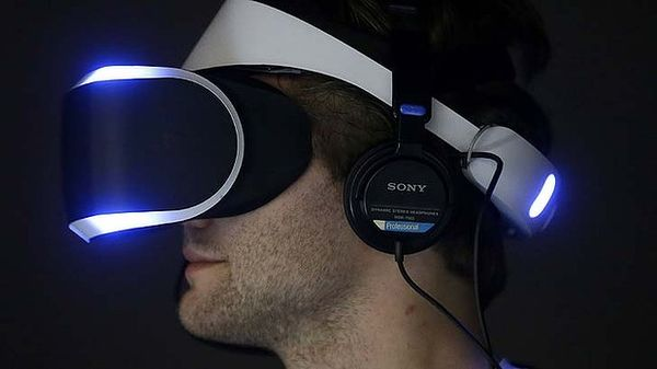 art-Sony-PlayStation-4-Project-Morpheus-4-620x349