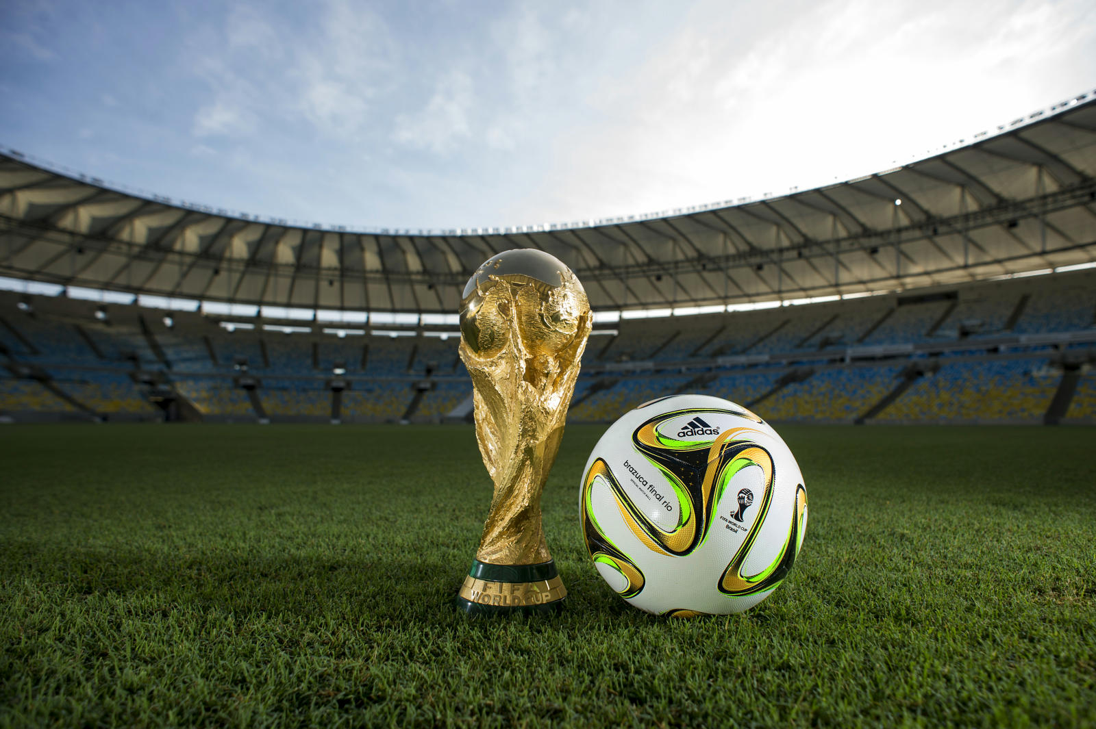 Brazuca-Final-Rio-2014-World-Cup-Ball (1)