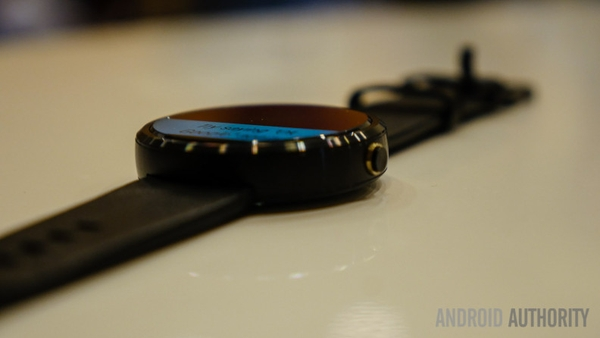 moto-360-first-look-11-of-12-792x446