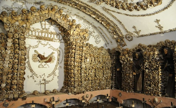 Ossuaries-Gruesome-Art-And-Architecture9__880