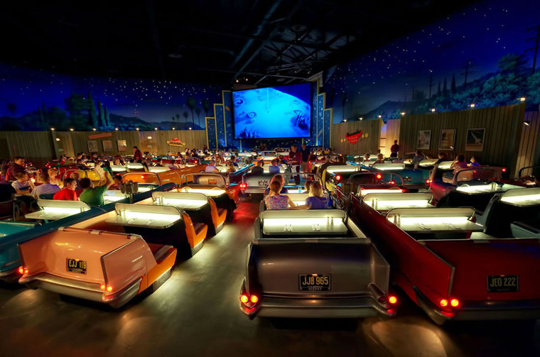 cinemas-interior-theater-restaurant-2__880