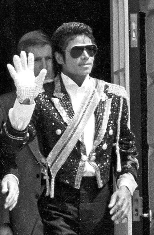 393px-Michael_Jackson_1984