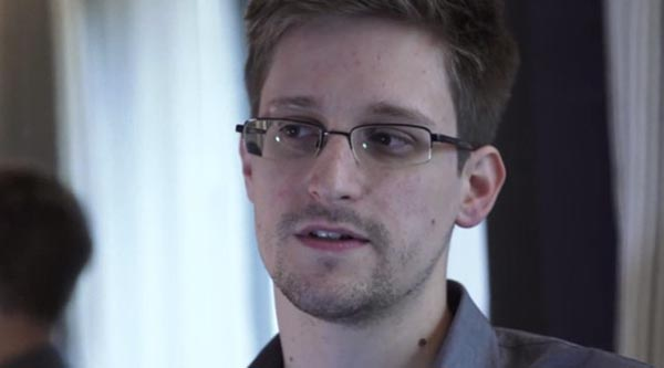 ed-snowden-talking-640x355