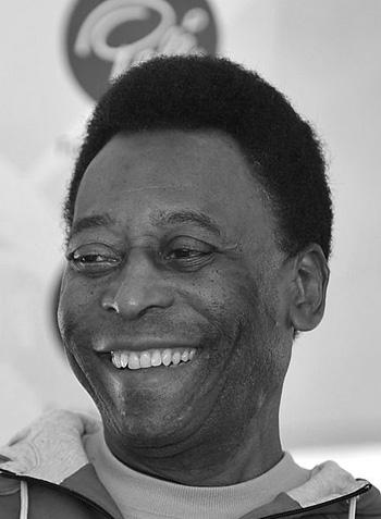 440px-Pelé_Africa_do_Sul_Cropped