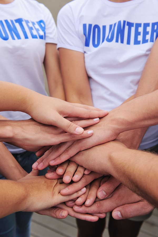 Volunteer_14712552_xl