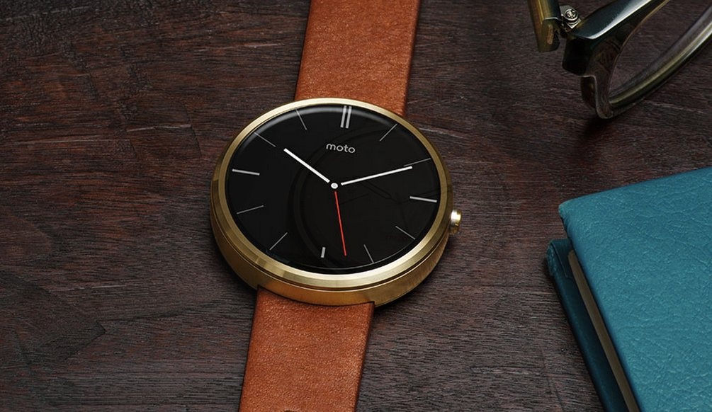 including-circular-designs-if-you-dont-dig-the-apple-watchs-square-screen-you-can-get-a-more-traditional-looking-round-watch-with-the-moto-360-or-the-lg-g-watch-r