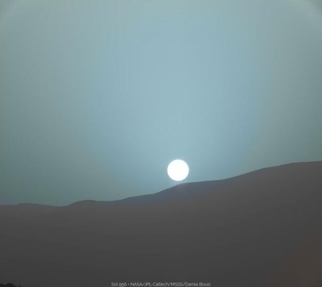5 9 2015 10 13 25 AM عکسهای غروب خورشید در مریخ