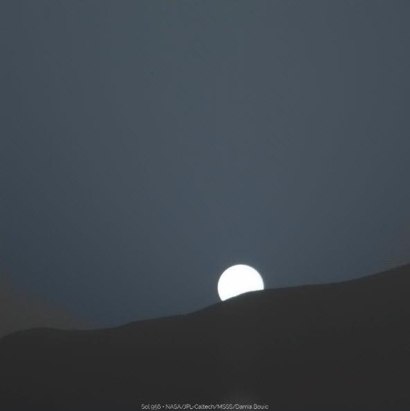 5 9 2015 10 13 36 AM عکسهای غروب خورشید در مریخ