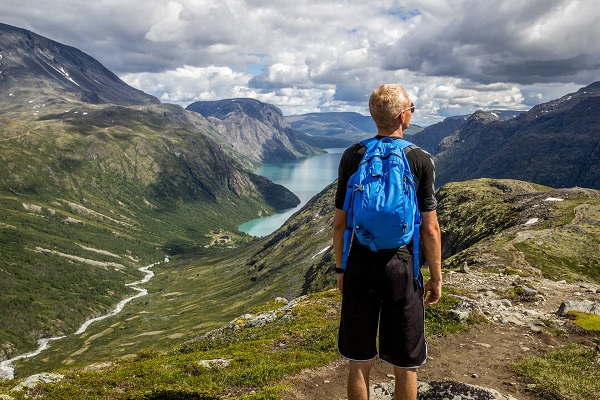 offbeat-travel-destination-norway-mountain-1