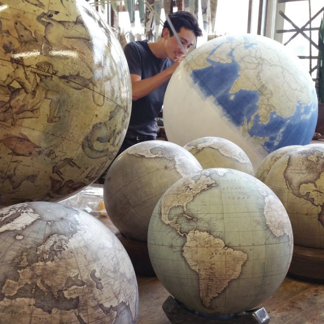 One-of-the-Worlds-Only-Globe-Making-Studios-Celebrates-the-Ancient-Art-of-Handcrafted-Globes9__880