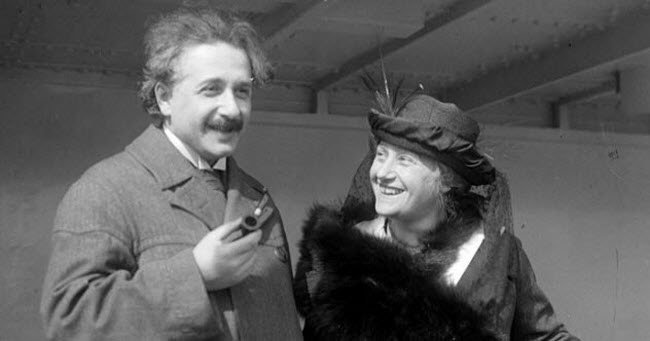 2-feature-einstein-elsa