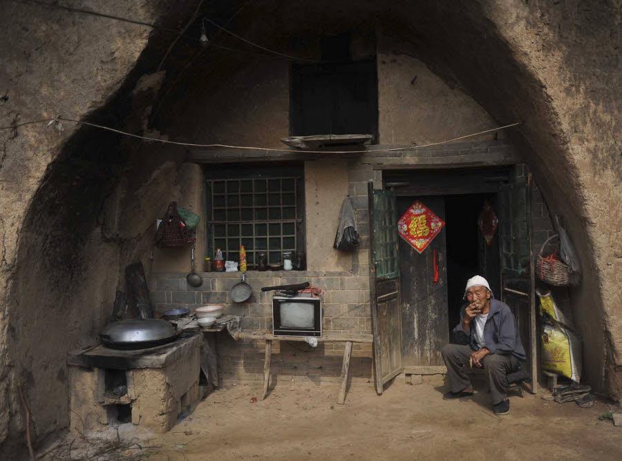 آیا میدانستید که بیش از ۳۰ میلیون چینی در غار یا خانههای حفر شده در دل کوه زندگی میکنند؟!