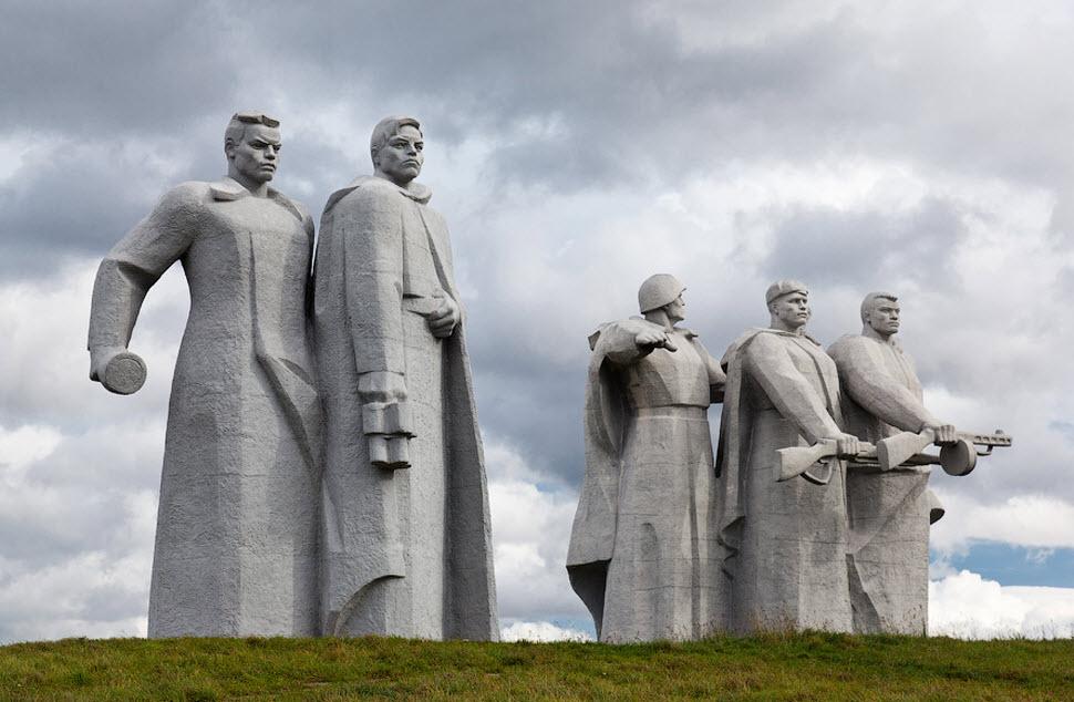 با ساخت و نمایش یک فیلم، روسیه ترجیح داد چشمش را بر روی یک واقعیت تاریخی ببندد