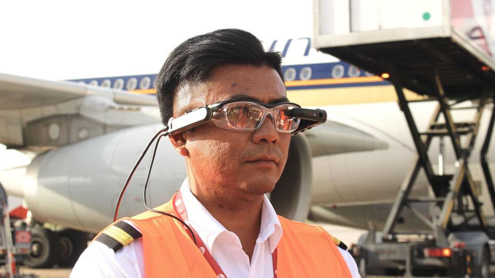 عینکهای واقعیت افزوده زمان انتظار مسافران در فرودگاه را یک ساعت کاهش دادند