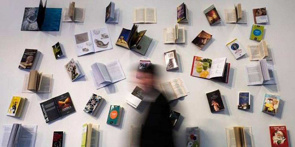 فروش کتابهای چاپی از کتابهای الکترونیکی پیشی گرفت؛ چرا جوانان کتابهای الکترونیکی را دوست ندارند؟