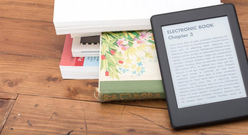 فروش کتابهاي چاپي از کتابهاي الکترونيکي پيشي گرفت؛ چرا جوانان کتابهاي الکترونيکي را دوست ندارند؟
