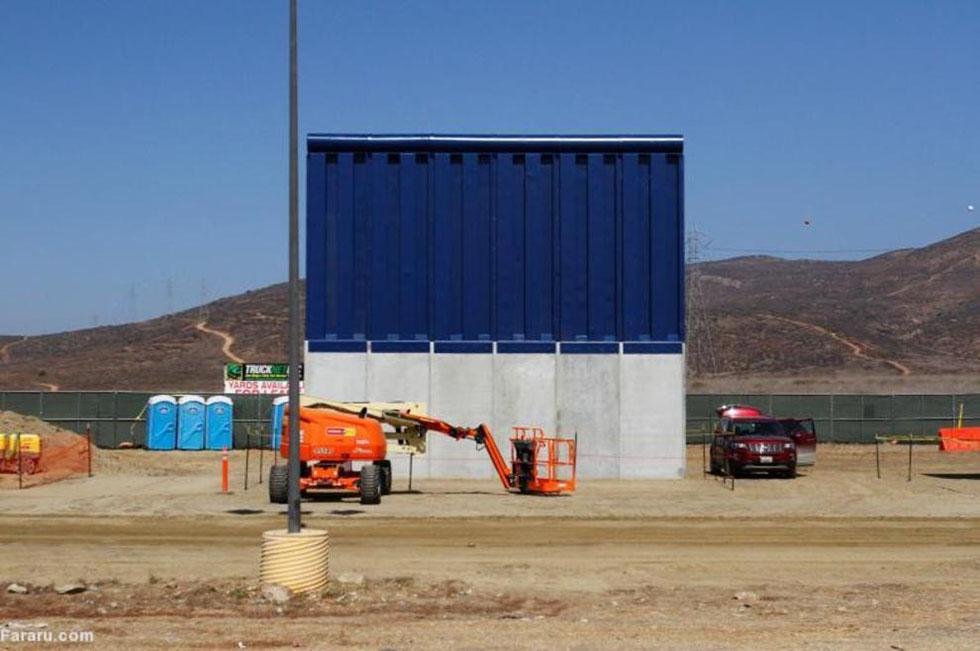 نمونه دیوارهایی که قرار است امریکا و مکزیک را از یکدیگر جدا کنند