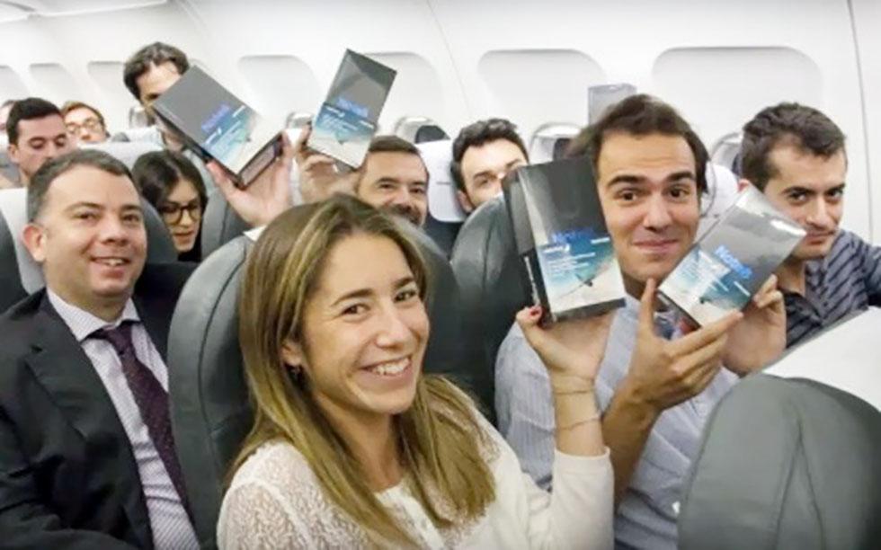 سامسونگ به مسافران یک پرواز اسپانیایی گلکسی نوت 8 هدیه داد