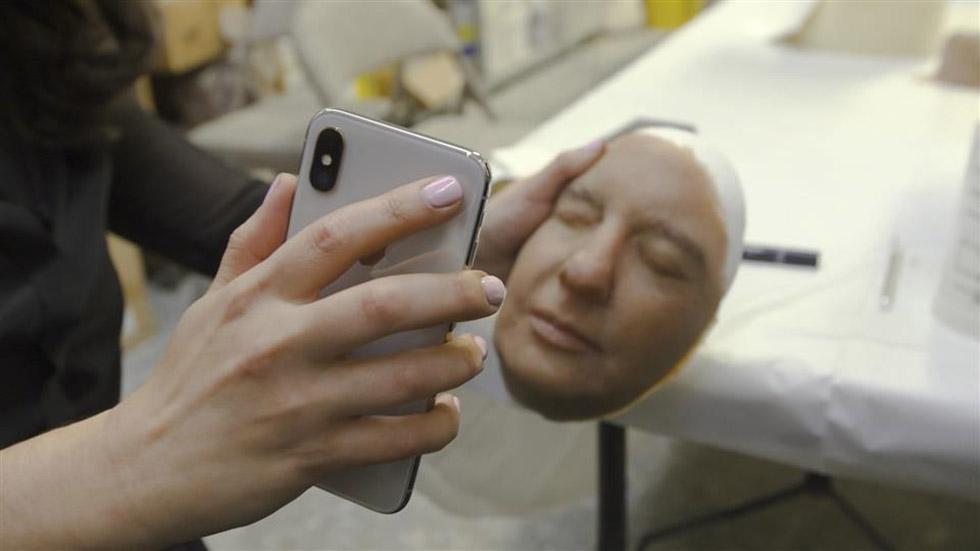 یک شرکت امنیتی توانست سیستم تشخیص چهره آیفون X را با ماسک فریب دهد