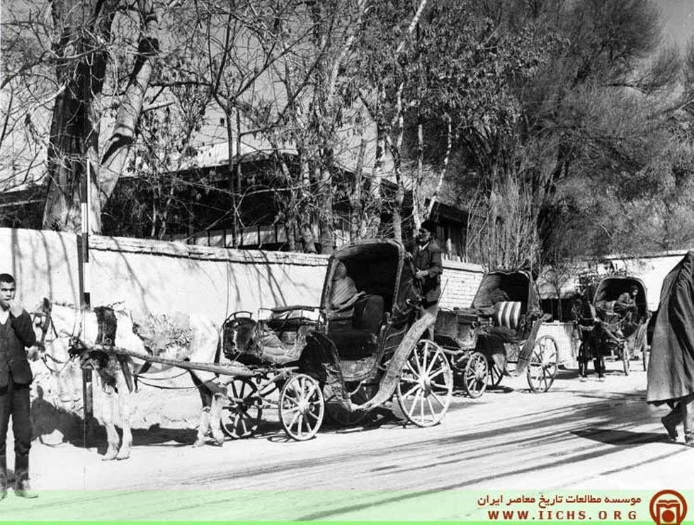 درشکه یک اسبه در تهران قدیم