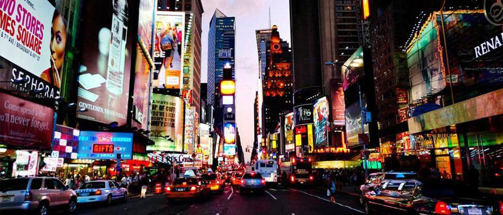 ابتکار جالب هواوی برای تبلیغ گوشیهایش: نمایش عکسهای منتخب مسابقه عکاسی موبایل در میدان تایمز نیویوریک
