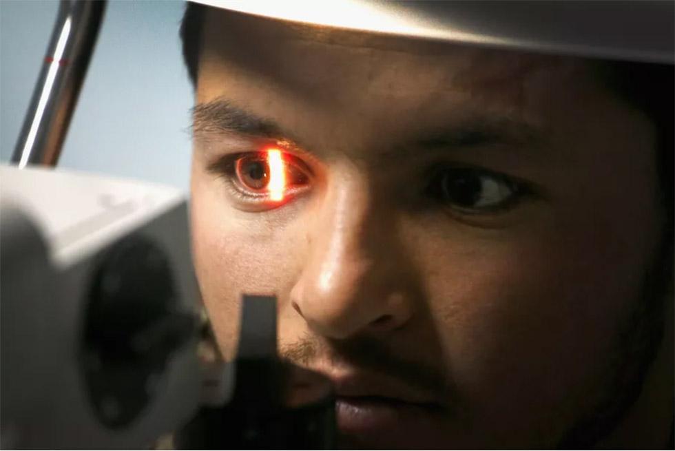 الگوریتمهای هوش مصنوعی گوگل میتوانند با مشاهده تصاویر شبکیه چشم، بیماریهای قلبی را پیشبینی کنند