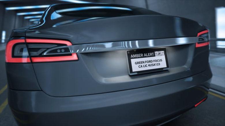 فروش پلاکهای دیجیتالی خودرو در امریکا آغاز شد؛ دیگر نیازی به نوشتن پیام روی شیشه یا بدنه خودرو نیست