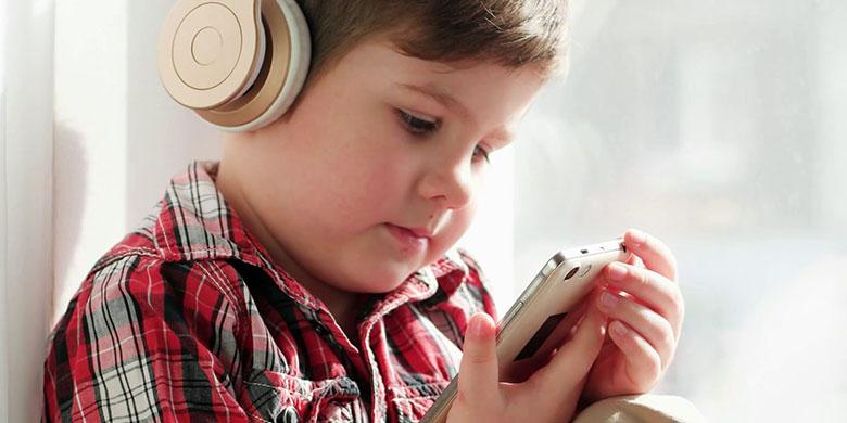 بچههایی که از پخشکنندههای موسیقی قابل حمل استفاده میکنند؛ سه برابر بیشتر در معرض مشکلات شنوایی قرار دارند