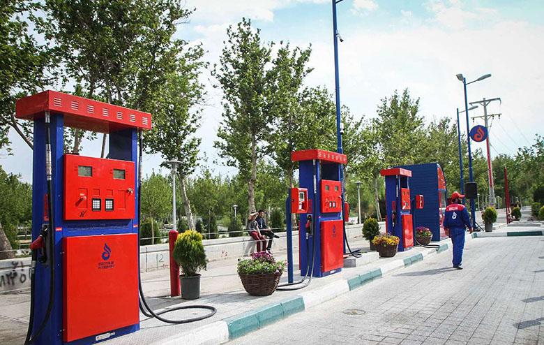 با نصب نازلهای جدید سوخت، امکان پرداخت با اپلیکیشن موبایل فراهم میشود