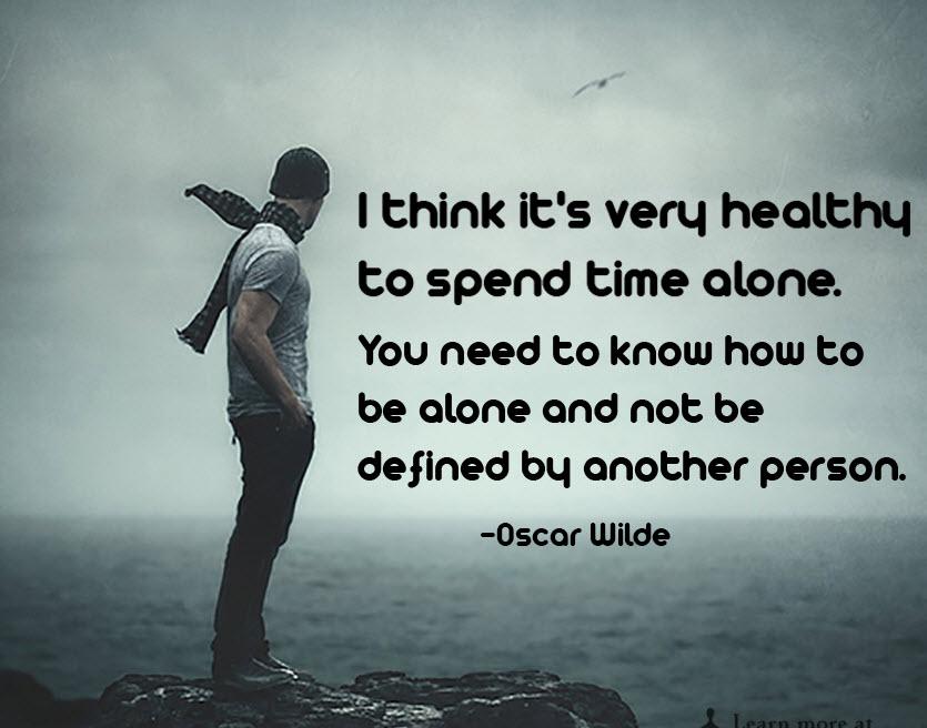 بله! تنها بودن هم یک سبک زندگی است و عار نیست! معرفی کتاب «چگونه از تنهایی لذت ببریم؟»