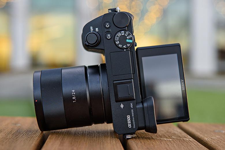 6 دوربین برتر بدون آینه برای عکاسی در سفر