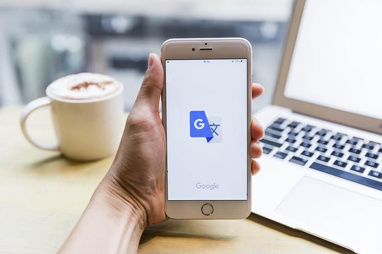 بهزودی گوگل میتواند صحبتهای شما را با صدای خودتان به زبان دیگری ترجمه کند
