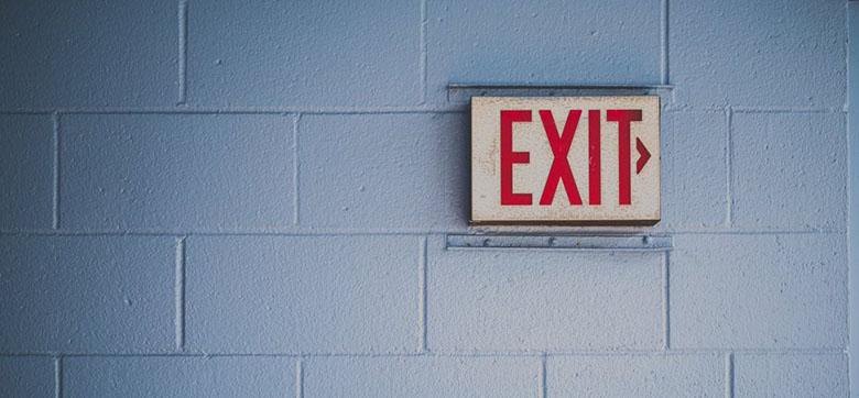 چرا مردم کارشان را رها میکنند؟ تحقیقات جدید در 4 کلمه دلیل آن را میگوید