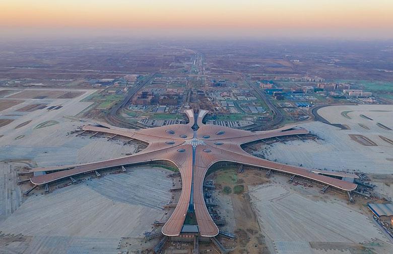 فرودگاه 9 میلیارد دلاری پکن با دوربینهای تشخیص چهره 360 درجه منتظر اولین مسافران است