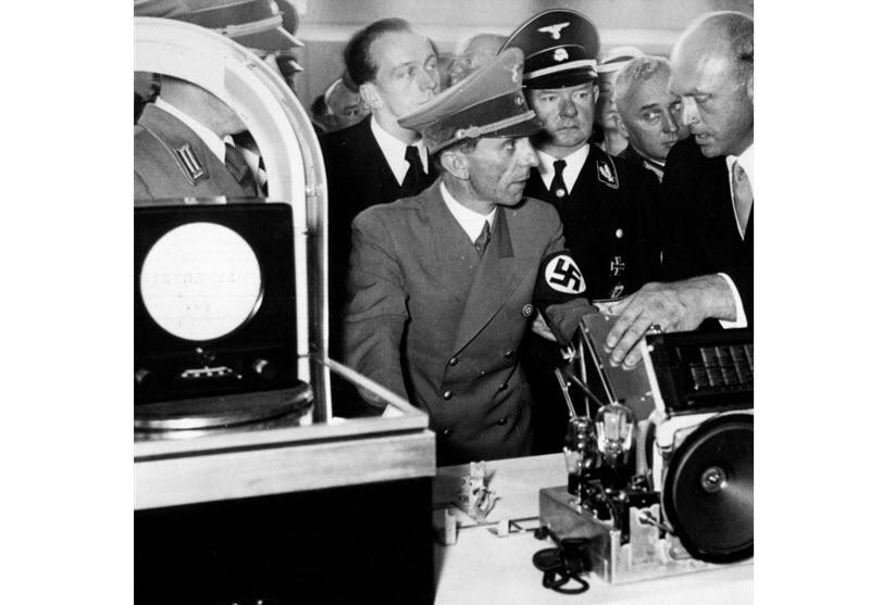 گوبلز و ایده «رادیوی مردم» – گیرنده رادیویی ارزانی که فقط ایستگاههای ملی آلمان را میگرفت!