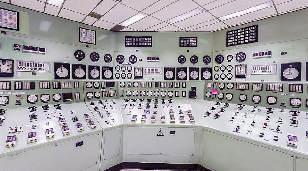 زیبایی فراموش شده اتاقهای کنترل پردکمه عصر آنالوگ: از رآکتورهای عصر شوروی تا بویینگ و استودیوهای تلویزیون