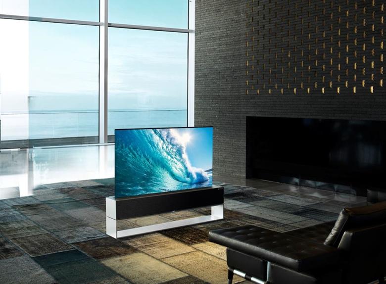 آغاز فروش تلویزیون اولد «رول» شونده الجی با قیمت 87 هزار دلار